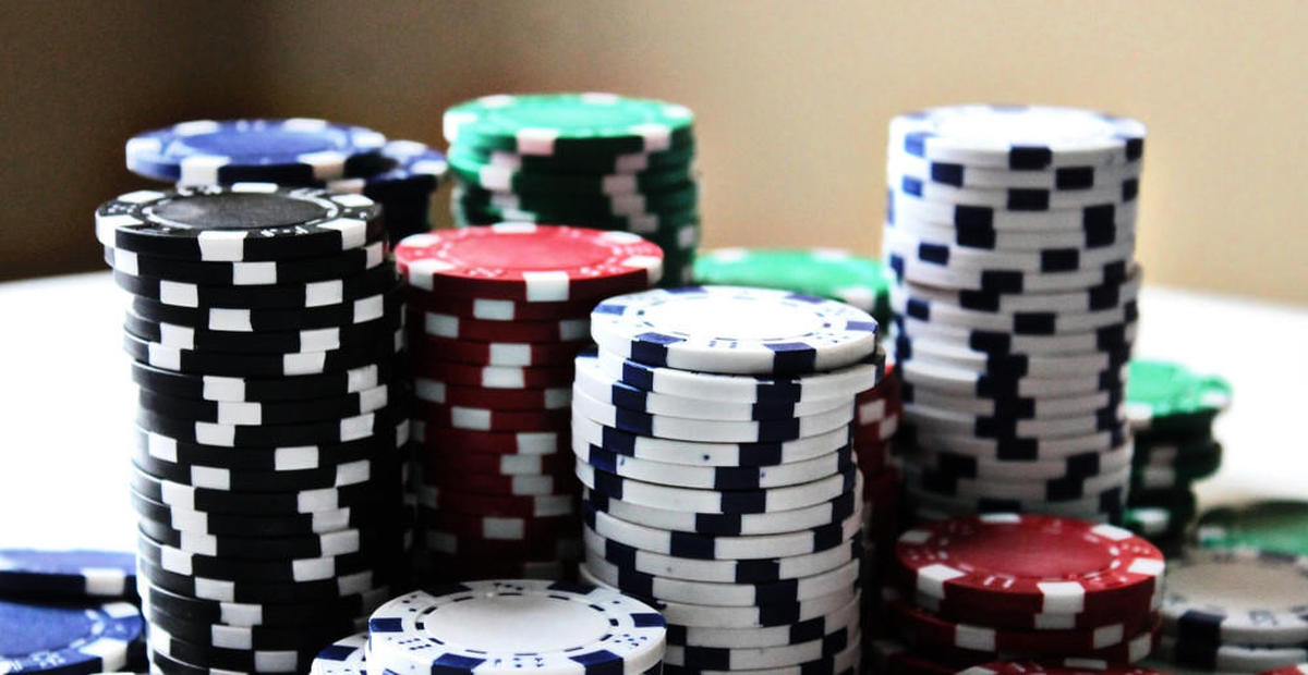 Why are people so addicted to playing online slots?