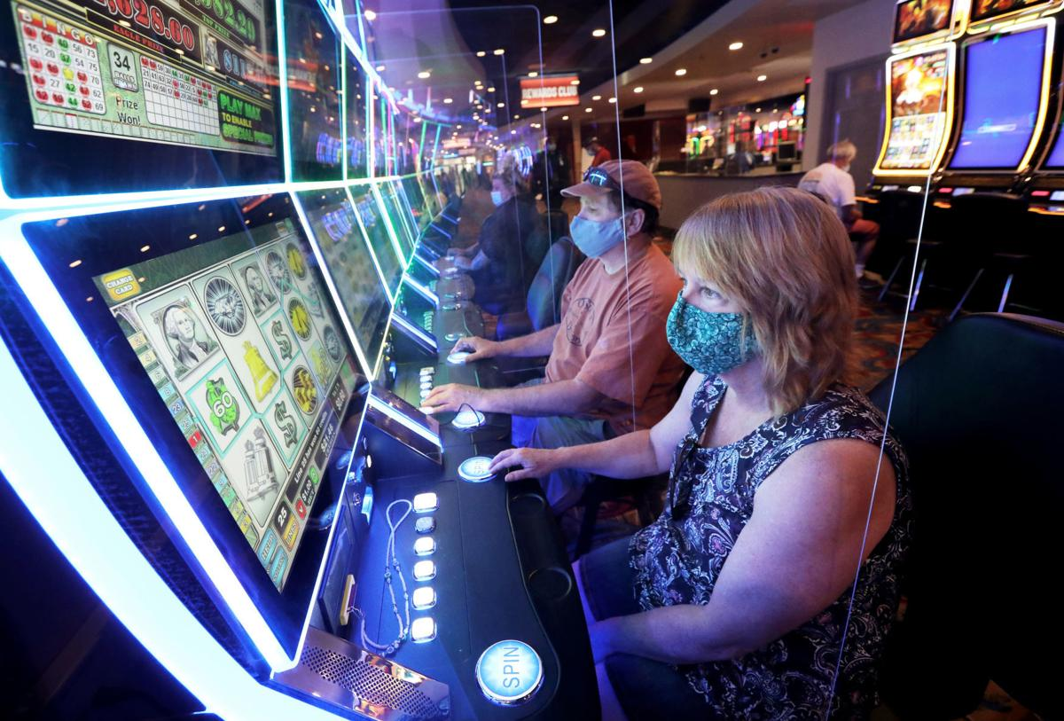 What kind of benefits will you get from playing online slots?